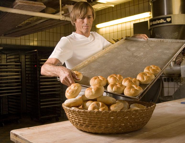 Bäckerei Funder – Frische HAndsemmeln